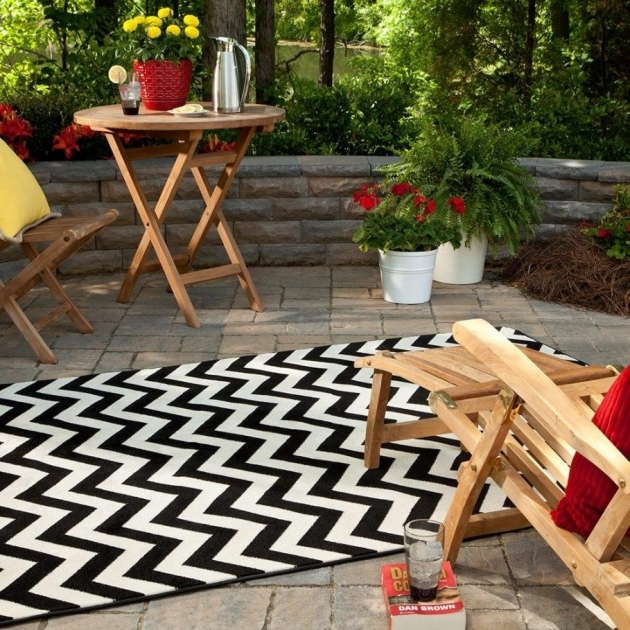 Indoor Outdoor Rugs White Flower Plant Pots And Fantastic Ideas Chevron Pattern Design Plus Trendy Chair With Footrest Photos 85