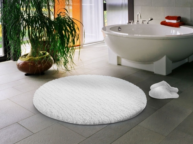 Round Bath Rugs Lovely Bath Mats For Bathroom Decorations Strikking Circle Snow White Photo 16