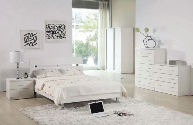 White Shag Rug Retro Bedroom Interior Design Ideas Image 38