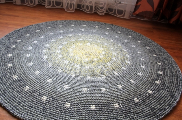 Gray Braided Rug With Yellow Center Picture 97