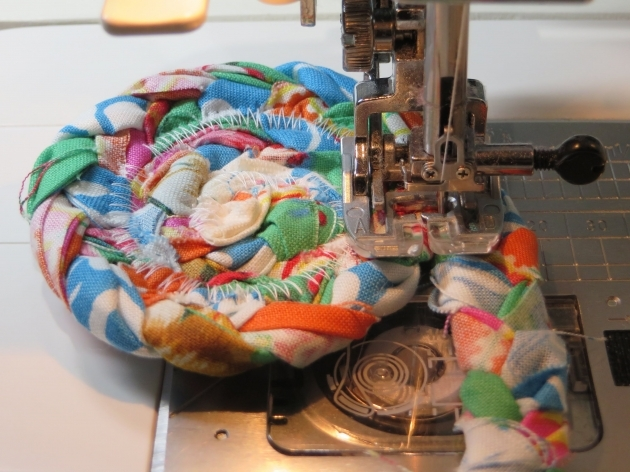 How To Make A Braided Rag Rug Fabric Strips Coaster Pictures 28