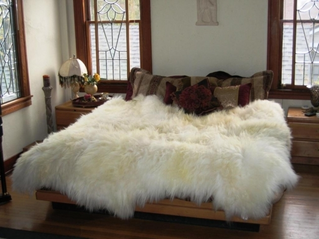 White Large Faux Sheepskin Rug Photo 37