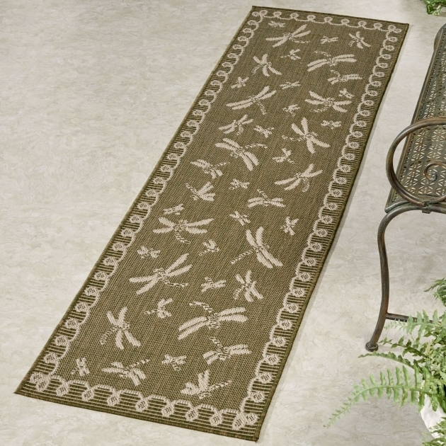 Outdoor Rug Runners Dragonfly Flight Photo 05